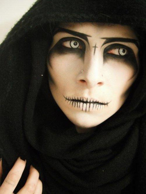 Mutuwa kaya a kan Halloween da hannuwansu: juna, shawarwari